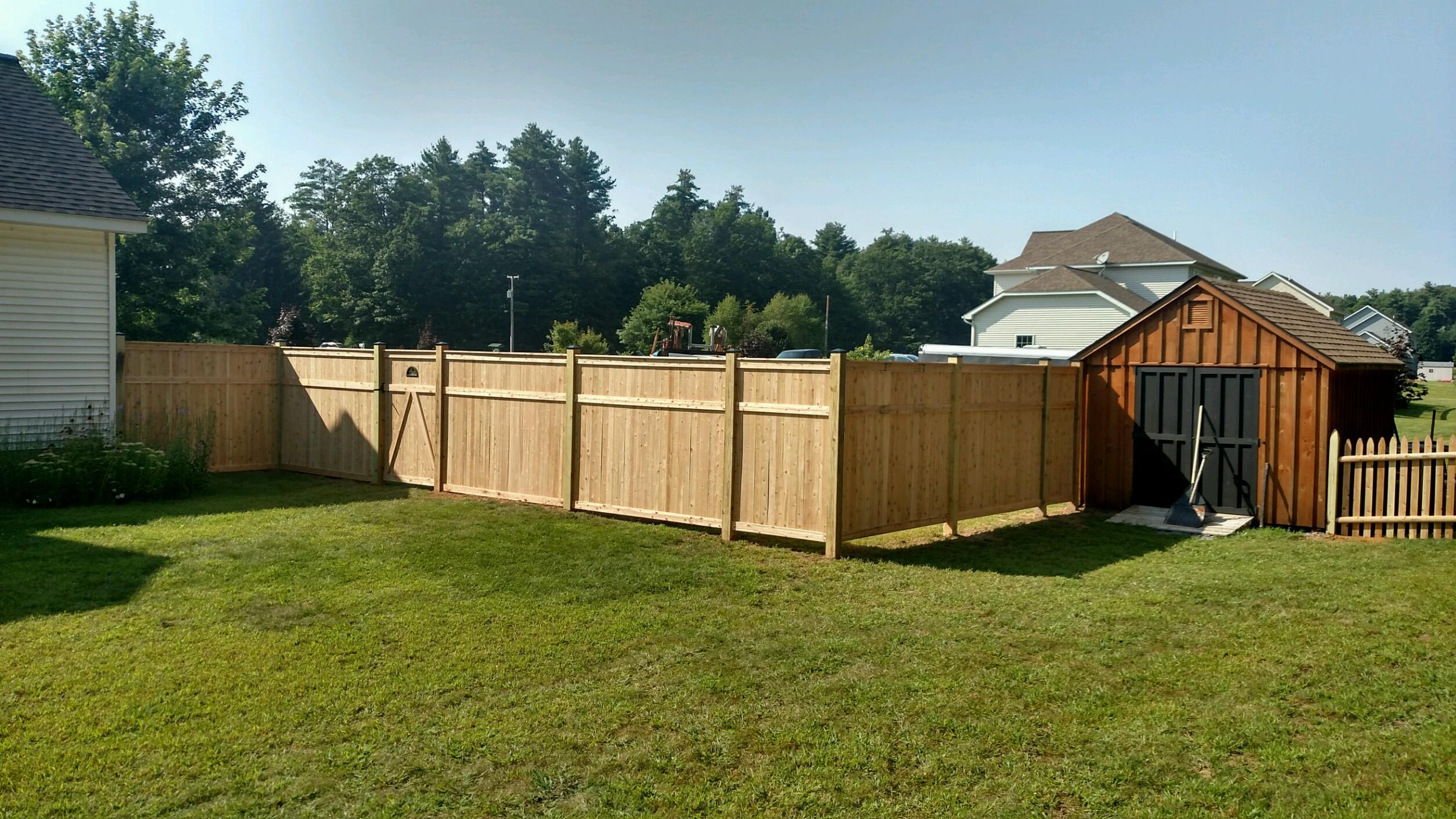 Cedar wood fence gallery new york cedar wood fence new york for Good neighbor fence